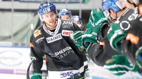 Simon Sezemsky hatte in dieser Saison schon reichlich Gelegenheit zum Jubeln. Auch in Köln war der Verteidiger erfolgreich und sicherte den Panthern drei Zähler.