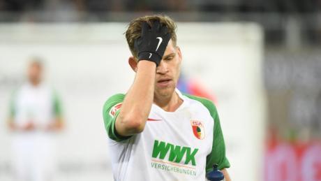 FCA-Profi Florian Niederlechner zeigte sich enttäuscht nach der Niederlage gegen Borussia Dortmund.