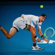 Zeitplan und Termine zur Australien Open 2020 an Spieltag 2, 21.02.2020. Jan-Lennard unterlag in Runde eins dem Serben Novak Djokovic.