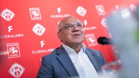 Felix Magath kehrt zurück: Als Vorstandsvorsitzender von Flyeralarm Global Soccer soll der 66-Jährige die Würzburger Kickers und Admira Wacker Mödling aus Österreich entwickeln.