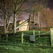 Ein Spielplatz nahe der Rems. Ein dreijähriger Junge, der dort mit seiner Kindergartengruppe gespielt hatte, ist vermutlich in der Rems ertrunken.