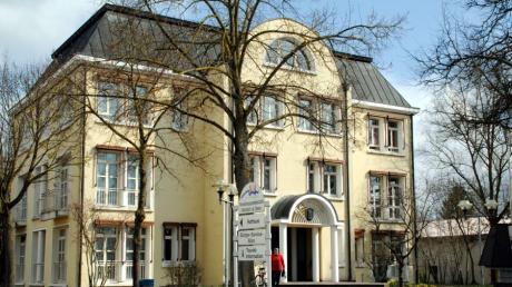 In Höchstädt sorgt Wahlwerbung vor dem Rathaus für eine Diskussion.