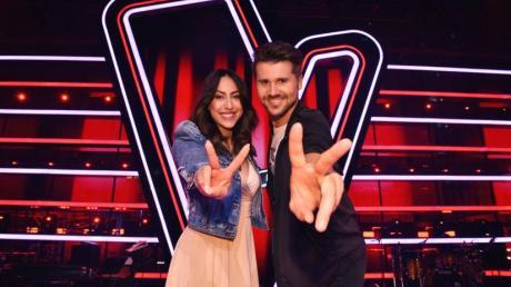 """""""The Voice Kids"""" 2020: Neben Melissa Khalaj und Thore Schölermann gibt es in diesem Jahr auch zwei Backstage-Moderatoren."""
