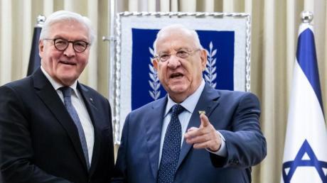 Erstes Gespräch nach der Ankunft: Bundespräsident Frank-Walter Steinmeier und Reuven Rivlin, Präsident von Israel.