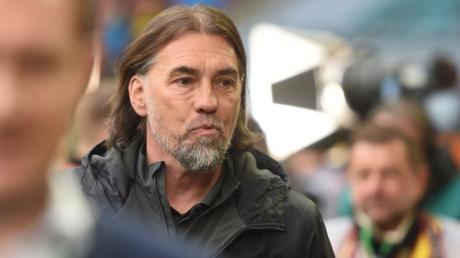 Nach den verlorenen Punkten gegen Dortmund hofft FCA-Trainer Martin Schmidt in Berlin auf Zählbares.