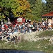 Die Kulperhütte an der Wertach ist bei Augsburgern ein beliebtes Ausflugsziel. Die Bewohner der Stadt empfinden die Lebensqualität als hoch - aber es gibt auch Kritikpunkte.