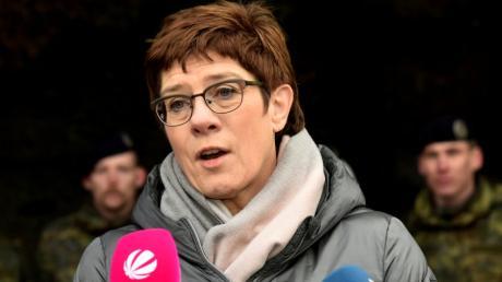 Sie legte ein deutliches Bekenntnis zum Bundeswehr-Standort Dillingen ab: Verteidigungsministerin Annegret Kramp-Karrenbauer.