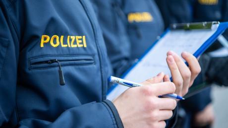 Die Durchfallquote bei den Abschlussprüfungen für bayerische Polizisten ist im vergangenen Jahr gestiegen - für das Innenministerium ist das aber kein Grund zur Sorge.