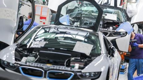 Wegen des Brexit befürchtet die bayerische Wirtschaft Probleme. Vor allem die Autobranche ist eng mit Großbritannien verflochten.
