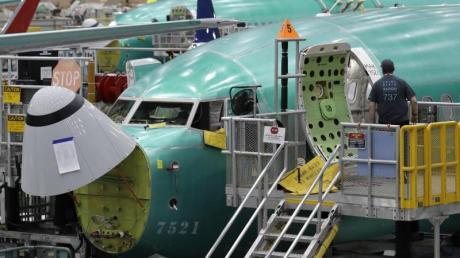 Eine Boeing 737 MAX 8 in der Montageanlage in Werk des Flugzeugbauers in Renton im US-Bundesstaat Washington.