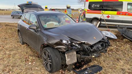Auf der Kreuzung der Bad Wörishofer Umgehungsstraße St 2015 bei den Sportanlagen, auf Höhe der Gartenstadt, hat sich ein schwerer Verkehrsunfall ereignet.