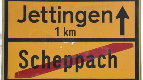 Die Ortsschilder von Jettingen und Scheppach in der seit 50 Jahren bestehenden gemeinsamen Marktgemeinde Jettingen-Scheppach gibt es noch heute.