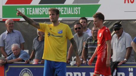 Fußball Bayernliga: FC Pipinsried gelbe Trikots - TSV Dachau: Fabian Hürzeler