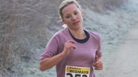 Neue Bestzeit über zehn Kilometer mitten im Winter: Hannah Sassnink.