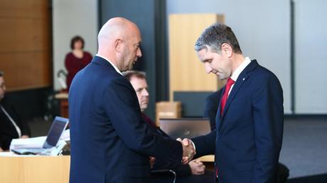 AfD-Politiker Björn Höcke, gratuliert dem neuen Ministerpräsidenten Thomas Kemmerich.