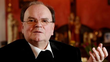 Bertram Meier wird der neue Bischof von Augsburg. Er wird das Bistum in stürmischen Zeiten übernehmen.