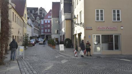 Weil Leitungen verlegt werden, wird die Augsburger Altstadt stellenweise zur Baustelle.