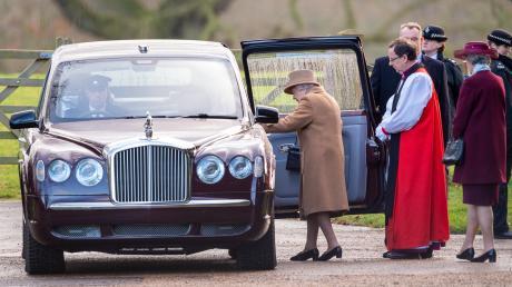 Den teuersten Dienstwagen der Welt fährt Queen Elizabeth II. Gleichzeitig ist der Bentley Arnage auch der Wagen mit dem höchsten Abgasausstoß.
