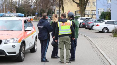 An einer Grund- und Mittelschule in Lindau lief am Mittwochnachmittag ein Polizeieinsatz. Es handelte sich um einen Fehlalarm.