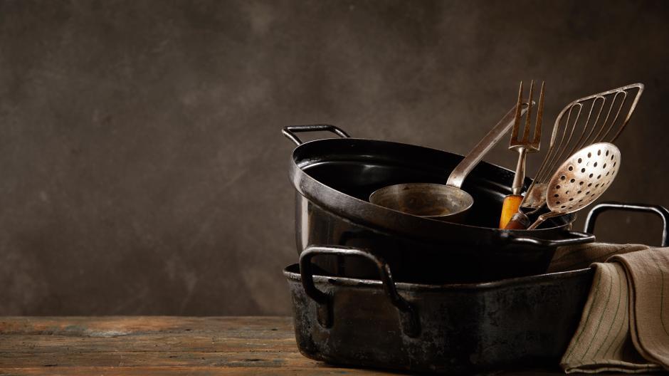 Geschirr mit Patina: Junge Profiköche sind wieder auf der Suche nach traditionellen Rezepten.