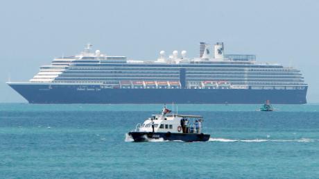 """Das Kreuzfahrtschiff """"Westerdam"""" ist in den Gewässern vor Kambodscha unterwegs. Wegen des Coronavirus durfte es nicht an asiatischen Häfen andocken."""