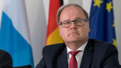 Reinhard Röttle, Generalstaatsanwalt in München, bekämpft das Organisierte Verbrechen.