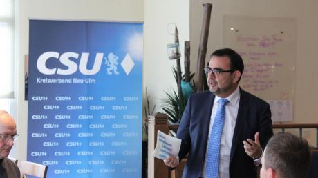 Klaus Holetschek (CSU) will die Partei in Bellenberg im Wahlkampf unterstützen.