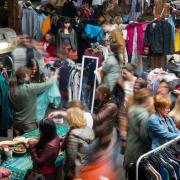 Einsatzort Flohmarkt: In Ingolstadt hat die Polizei sieben mutmaßliche Hehler festgenommen.