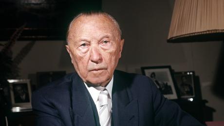 Konrad Adenauer war von 1949 bis 1963 der erste deutsche Bundeskanzler. Von 1950 bis 1966 war er zugleich CDU-Vorsitzender. Mit 90 Jahren gab er sein Amt ab.