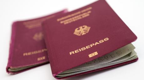 Zu viele Stempel im Pass können für Ärger sorgen. In manchen Fällen hilft ein zweiter Pass.
