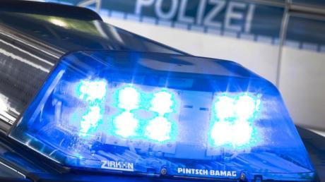 Die Polizei meldet einen Schulbusunfall in Reimlingen.