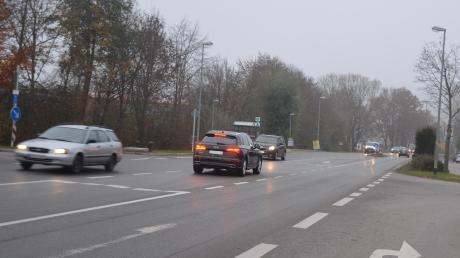 Die geplante Ampel an der Mühlhauser Ortsdurchfahrt auf Höhe des Gewerbegebietes ist nach wie vor umstritten im Affinger Gemeinderat.