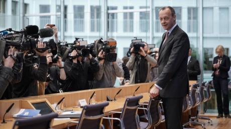 Friedrich Merz bei seiner Pressekonferenz in der Bundespressekonferenz in Berlin. Der ehemalige Unions-Fraktionsvorsitzende will CDU-Chef werden.