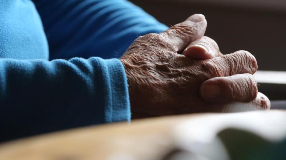 Das Bundesverfassungsgericht hat das Verbot der geschäftsmäßigen Sterbehilfe gekippt.