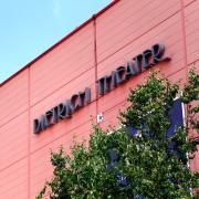 Der Corona-Patient aus Göppingen war in Neu-Ulm im Kino. Nun müssen vier Kinobesucher wegen des Verdachts auf das Virus in Quarantäne.