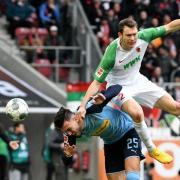 Nach den Plänen der DFL sehen die Fans Partien des FC Augsburg bald sonntagabends.