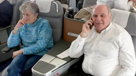Uli Hoeneß mit seiner Frau Susanne auf dem Weg nach London zum Spiel der Bayern gegen Chelsea.