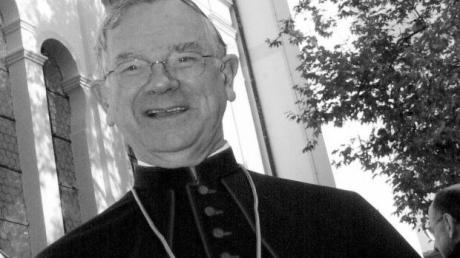 Bischof Viktor Josef Dammertz (1929 – 2020) wurde am Heiligen Abend 1992 zum Oberhirten von Augsburg ernannt.