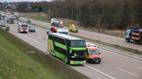 Am Donnerstag kam es zu einem Verkehrsunfall zwischen den Anschlussstellen Günzburg und Burgau, kurz vor Limbach, in Fahrtrichtung München.