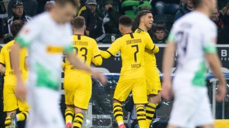 Achraf Hakimi (2.v.r.) war der Dortmunder Matchwinner beim BVB-Sieg in Gladbach.