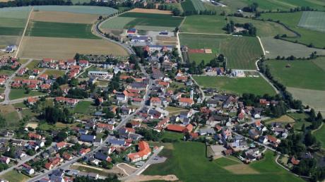 In Altenmünster steht ein Wechsel im Rathaus an. Bürgermeister Bernhard Walter kandidiert nach drei Amtszeiten nicht mehr. In dieser Zeit hat sich in der Gemeinde viel getan.