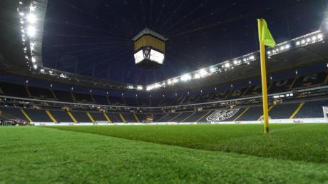 Die Ränge im Frankfurter Stadion bleiben gegen den FCBasel nun doch leer.