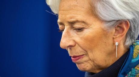 """Christine Lagarde, Chefin der Europäischen Zentralbank, erklärte auf Twitter: """"Es gibt für unseren Einsatz für den Euro keine Grenzen."""""""