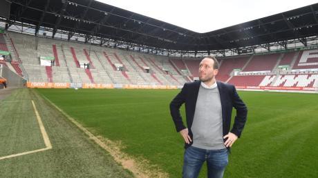FCA-Finanzgeschäftsführer Michael Ströll erklärt, wie das Heimspiel im leeren Stadion gegen Wolfsburg ablaufen soll.