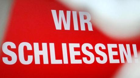«Wir schließen!» - die Corona-Krise sorgt auch in Deutschland für einen Konjunktureinbruch.