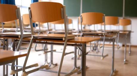 Aus Sorge vor einer weiteren Ausbreitung des Coronavirus schließen die meisten Bundesländer Schulen und Kitas.