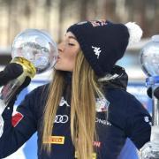 Dorothea Wierer aus Italien nach ihrem Sieg beim Biathlon-Weltcup in Finnland 19/20. Sie startete am 28. November als Titelverteidigerin in die neue Saison. Alle Ergebnisse und Gewinner der Weltcups 2020/21 finden Sie hier.