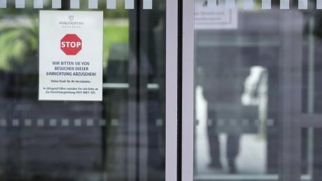 In einem Würzburger Seniorenheim sind zwölf Menschen nach einer Corona-Infektion gestorben.