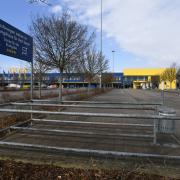Ikea hat schon zu. Der Möbelriese hat alle Filialen auf unbestimmte Zeit geschlossen. Auch die in Gersthofen ist betroffen.