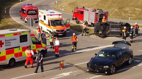 Einen größeren Rettungseinsatz gab es am Mittwoch auf der B300 bei Ziemetshausen.